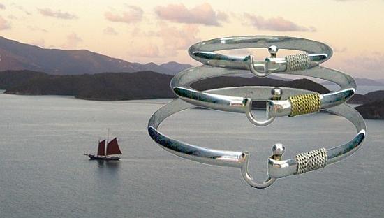 Narrow Band Island Hook Bracelet